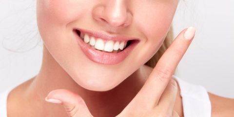 GET SPARKLING WHITE TEETH AT HOME!